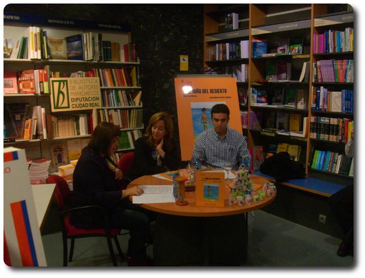 Presentación de 'El niño del desierto' de Angel Luis Moraga. Libreria Cilsa. Ciudad Real